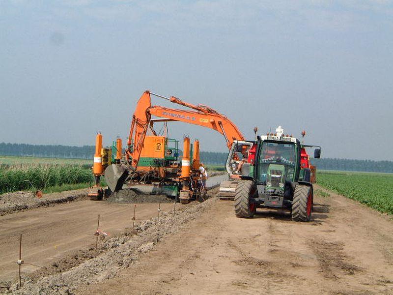 De aanleg van de toegangsweg van het windpark