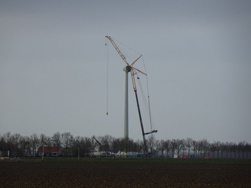 10 februari 2019; start ontmanteling eerste windmolen