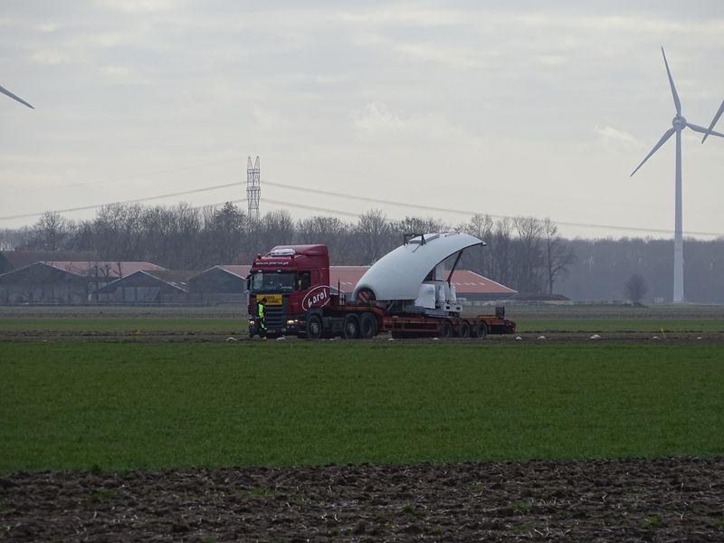 19 februari 2019; windmolen 1 op transport
