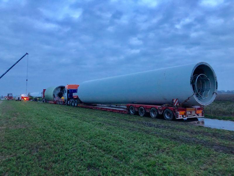 6 maart 2019; Windmolen 4 op transport