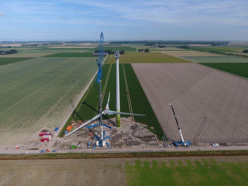 23 augustus 2019; opbouw windmolen 2