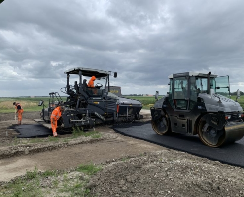 Juli 2020; asfalteren molenplaten